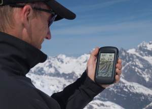 Garmin Montana 650 Waterproof Hiking GPS with 5 Megapixel Camera - mountain hikes